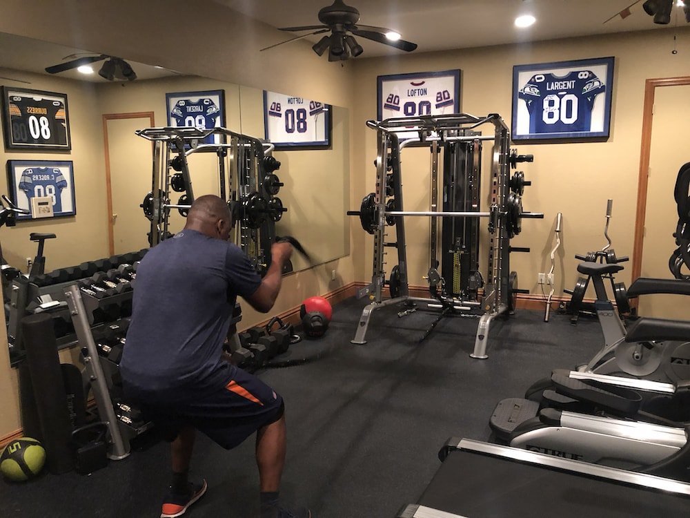 Rod Smith's Home Gym - TuffStuff Half Cage / Smith Machine (CSM-725) with Battle Ropes